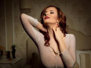 BritneyWeiss模特的性感个人头像,邀请您观看热辣劲爆的实时摄像表演!